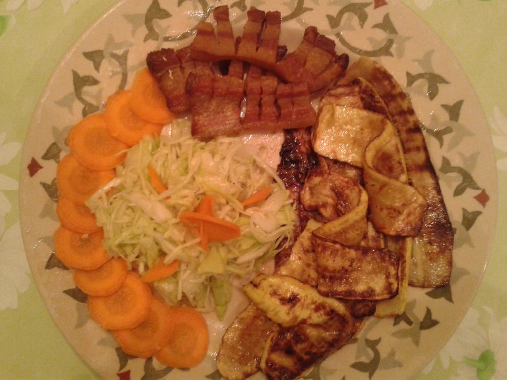 Vitaminski obrok sa tikvicama i slaninom
