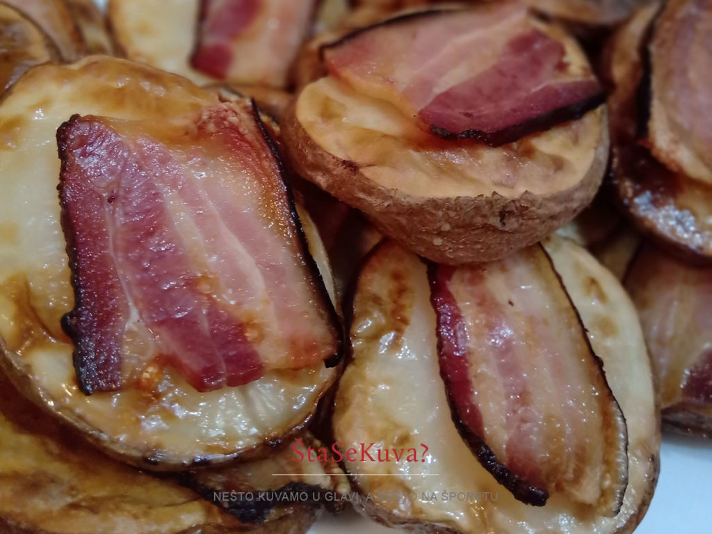 krompir-u-caksira-sa-slaninom