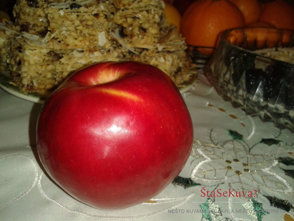 Božićna jabuka