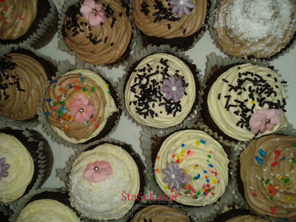 Rođendanski čokoladni kapkejkovi