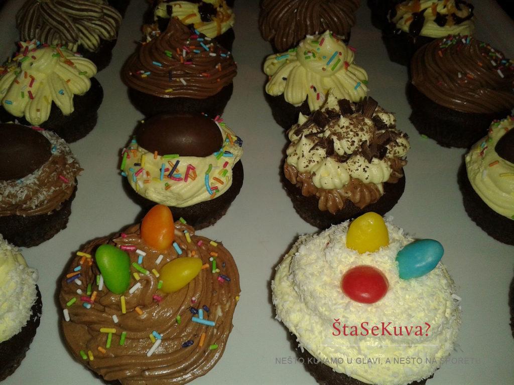 Čokoladni kapkejk (Cupcake) - Slatke šarene mini tortice
