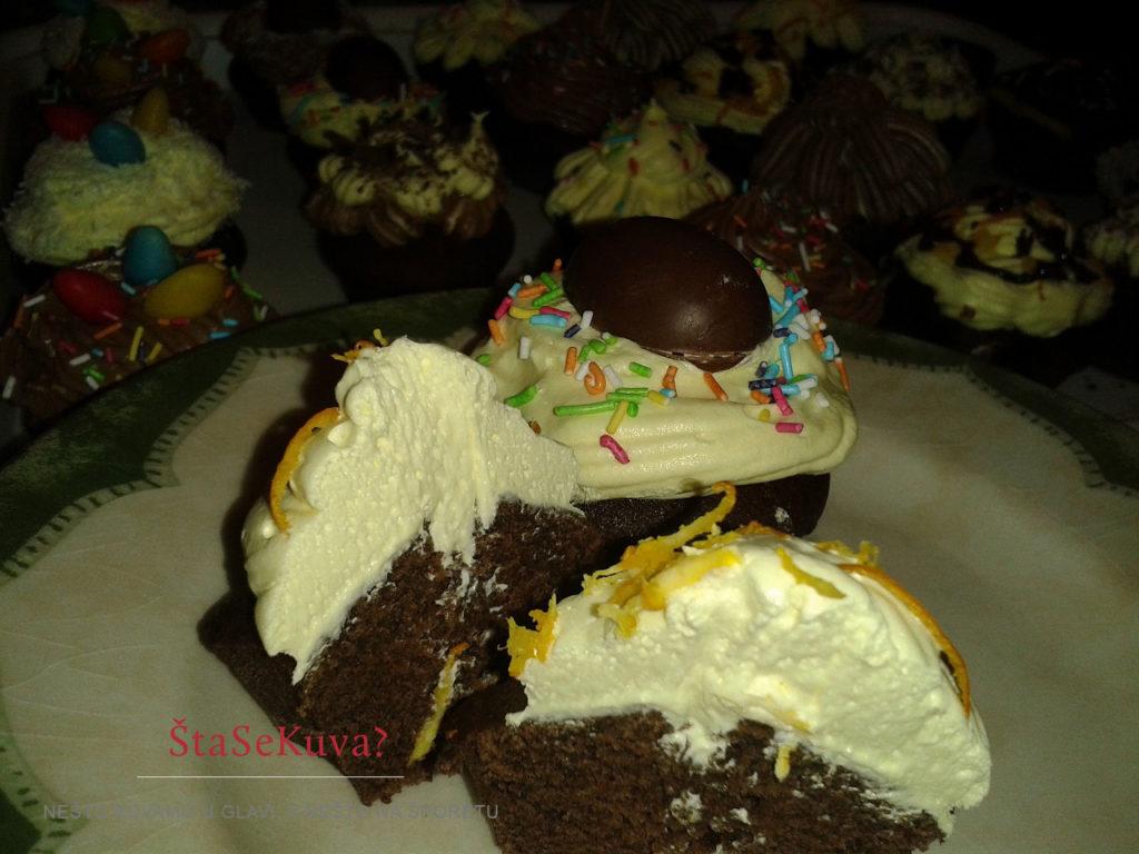 Čokoladni kapkejk (Cupcake) - presek