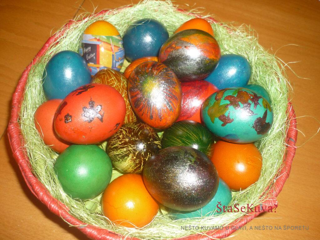 Jaja farbana u mojoj kući pre nekoliko godina